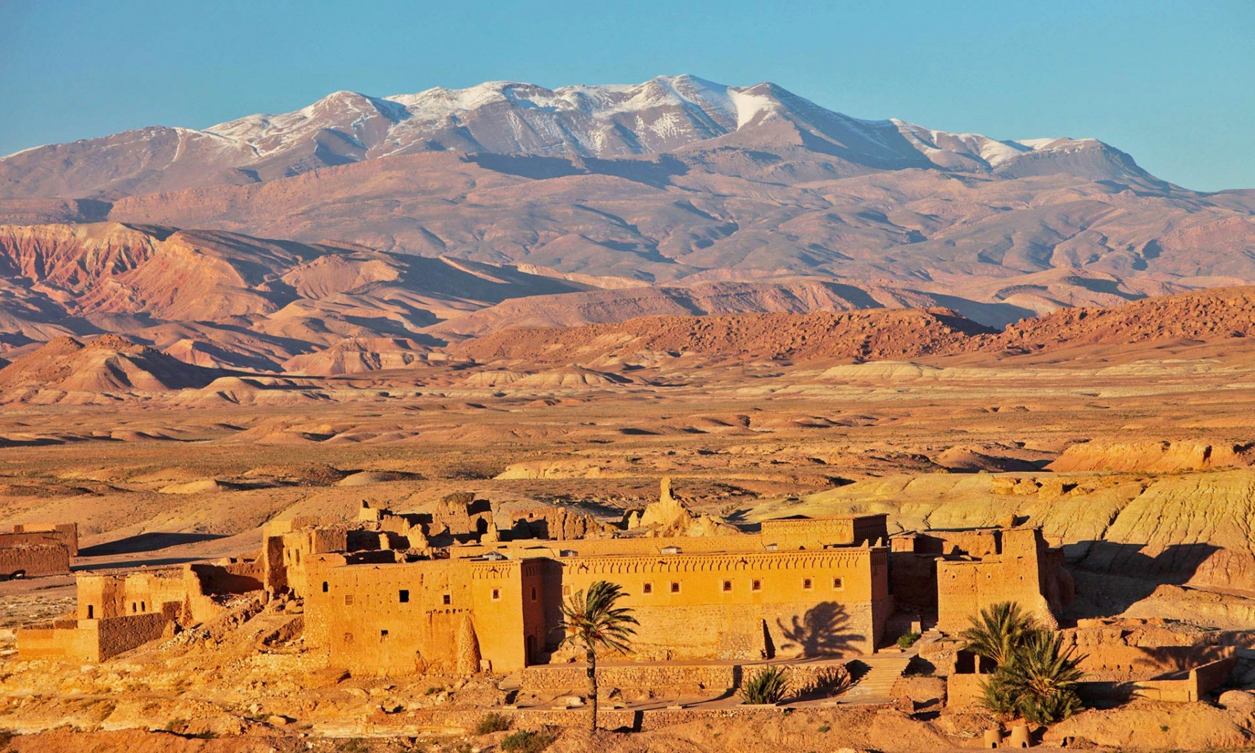 maroc_kashba_de_la_vallee_du_draa_et_le_massif_du_mgoun_en_haut_atlas