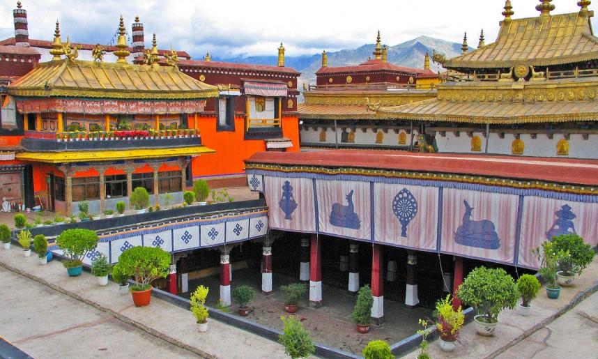 tibet_-temple_de_jokhang_lhassa